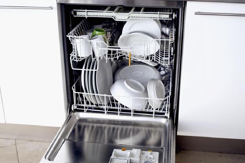 Ինչպես տեղադրել նոր աման լվացող մեքենա ձեր տանը